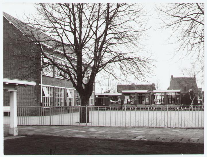 H Hartschool Willibrordschool Klein Berkeloo en Dn Barak 1974