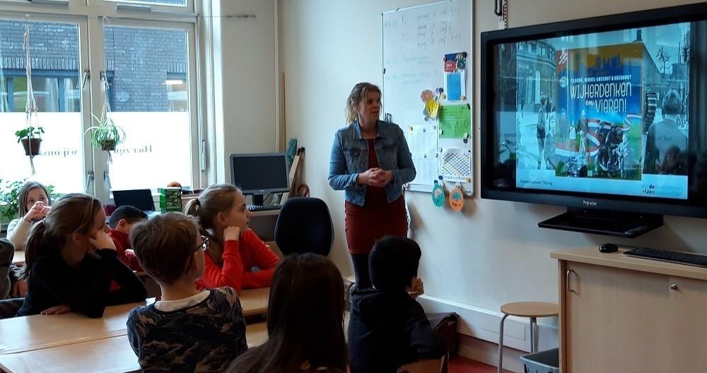 Sandra in de klas WHE Vnklein