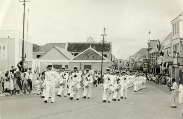 400282 Koninklijk bezoek 1956